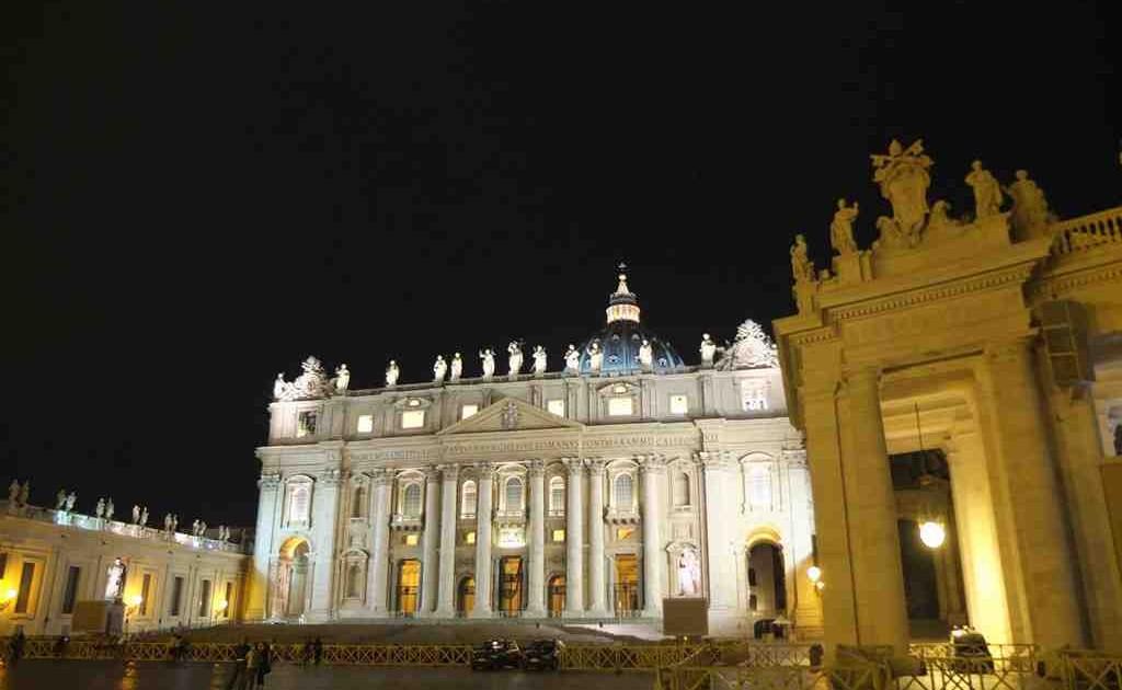 La Basilique, de nuit
